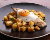 mackerel fillets on spicy potato