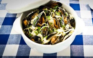 Mussel Linguine with garlic and pasta